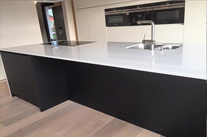 Keuken Zwart Mat : Keuken wit en zwart mat laminaat composiet flex ...