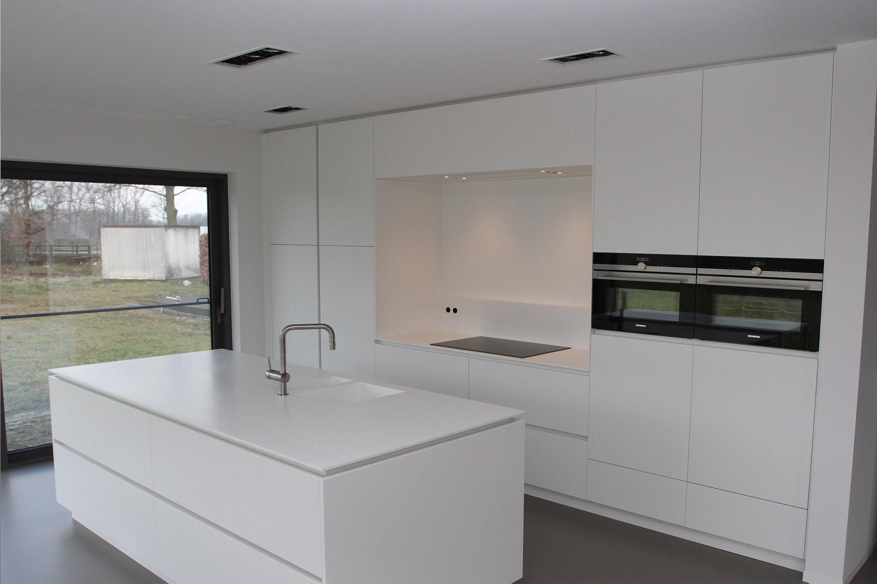 Keuken greeploos wit - Keuken blauw en wit ...